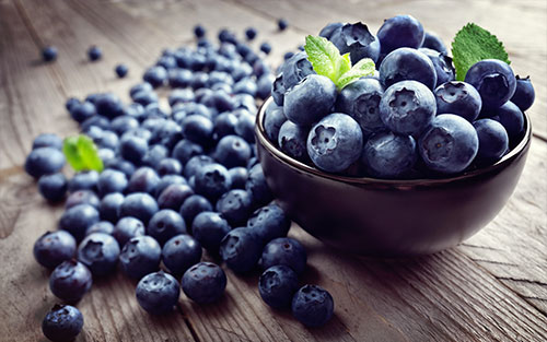 Healthy blueberries contain phytochemicals that may play a role in inhibiting tumor growth and may decrease inflammation.